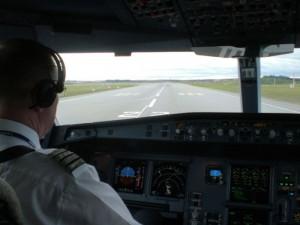 Koneen tietotekniikka valitsee lentoonlähtöön olosuhteisiin ja painoon sopivan tehoasetuksen